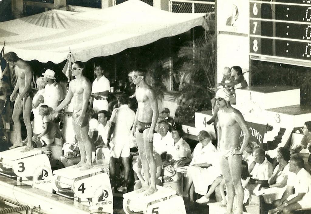 """""""Enfrentando um grande rival, o campeão olímpico Brian Goodell na raia 4, eu na 6, demorei 4 anos até vencê-lo no US Open de 1980, para isso, tive de me mudar e treinar junto com ele e seu treinador Mark Schubert em Mission Viejo"""" DM"""